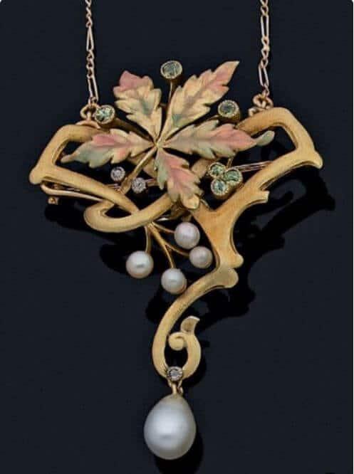 Exemple de bijou art nouveau
