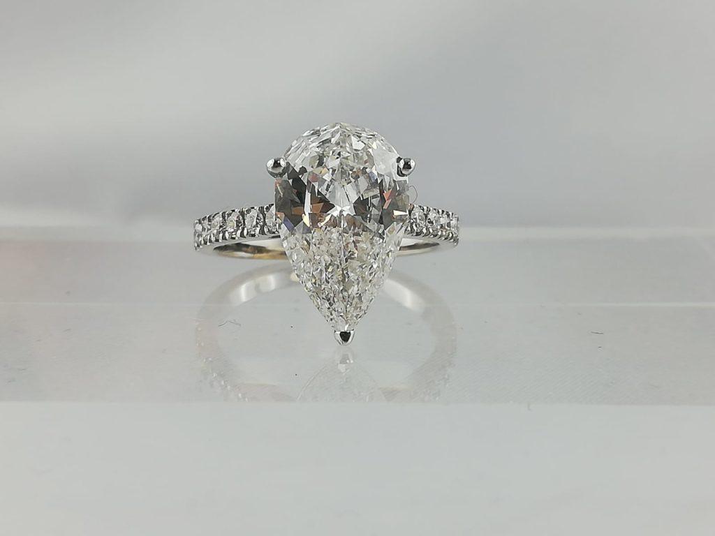 Bague diamant poire 3.03cts ESI2 certficat GIA